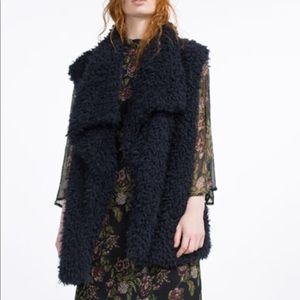 Zara Navy faux fur vest❣️